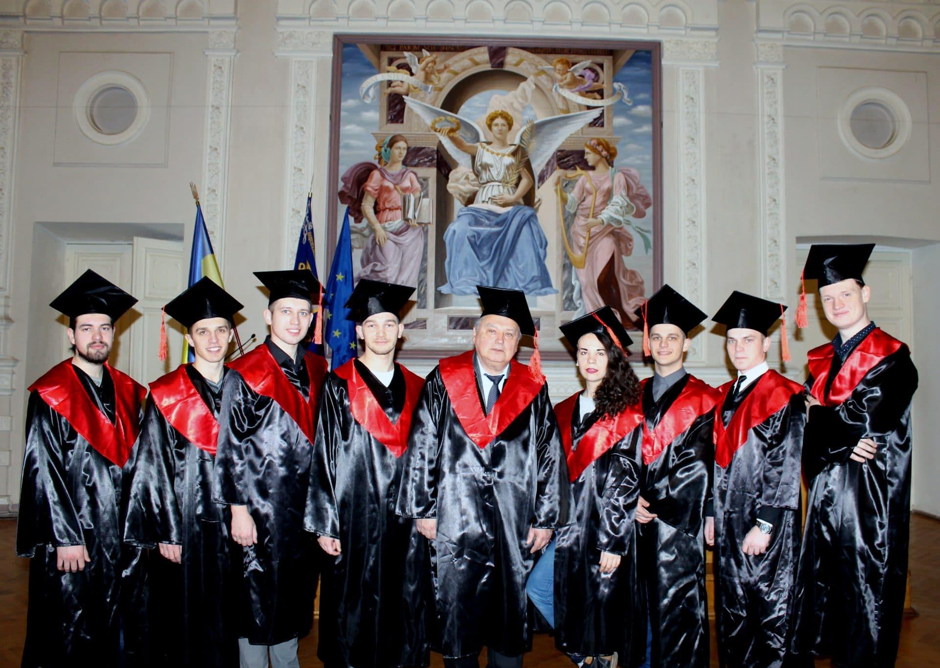 Вручення дипломів СПЕЦІАЛІСТА 2016
